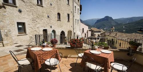 . Albergo Rocca Ranne