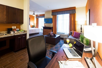 Premium Room, 1 King Bed, Accessible (Mobility & Hearing, Roll-in Shower)