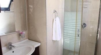 Allenby Bauhaus Apartments - Bathroom  - #0