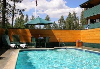 겟어웨이스 앳 스노우 레이크 로지(Getaways at Snow Lake Lodge) Hotel Image 8 - Outdoor Pool