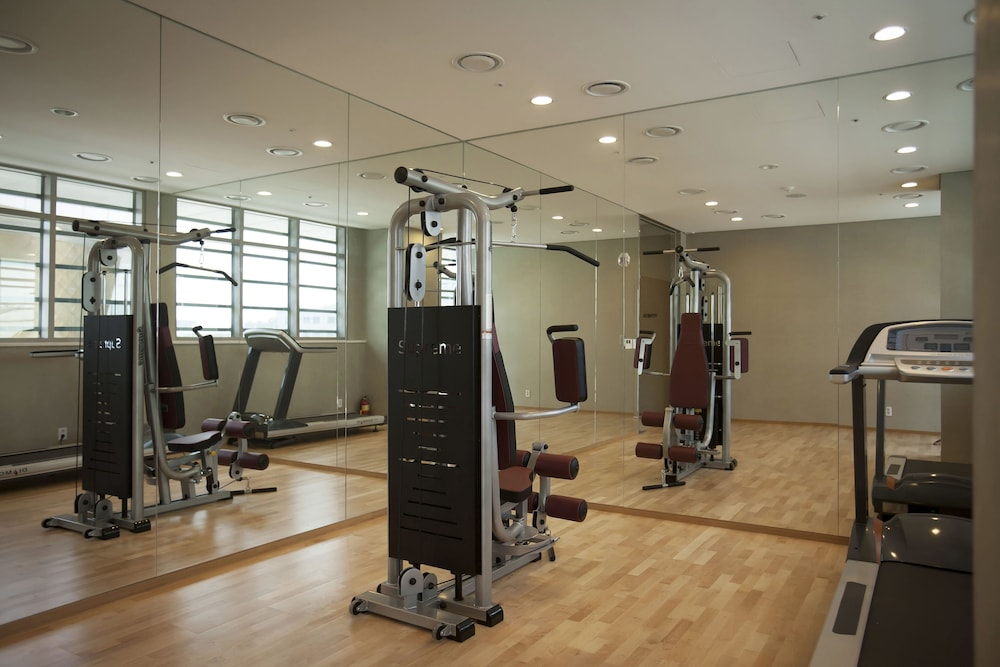 Health and Fitness : Fitness Facility 100 of 152