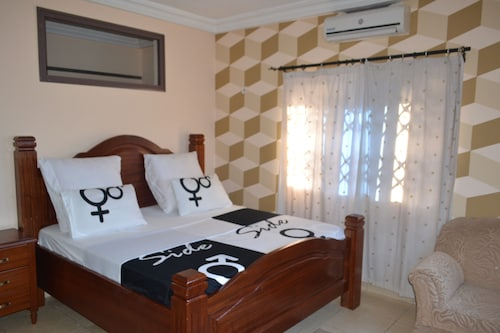 Accra Luxury Lodge, Tema