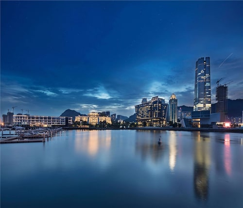 . Hilton Shenzhen Shekou Nanhai