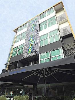 ホテル アル ジャフス