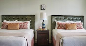 Room, 2 Double Beds (Erato)