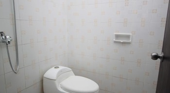 Bakung Sunset Hotel - Bathroom  - #0
