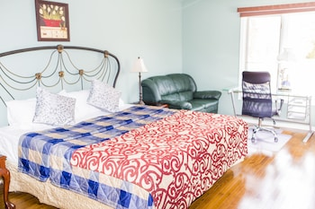 Superior Room, 1 King Bed, Private Bathroom ( 4 )