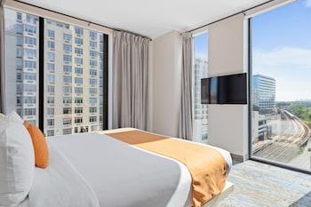 Deluxe King Room - Skyline View