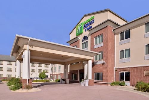 . Holiday Inn Express Hotel & Suites Emporia Northwest, an IHG Hotel