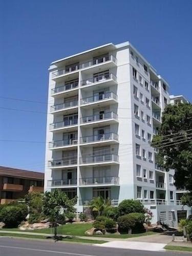 . Tradewinds Apartments