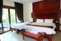 Family Villa, Pool Access - Free Round-Trip Airport Transfer