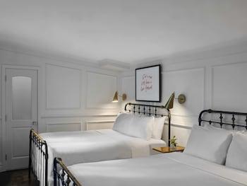 Deluxe Room, 2 Queen Beds, Terrace