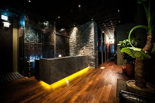 . SR Hotel Sadang