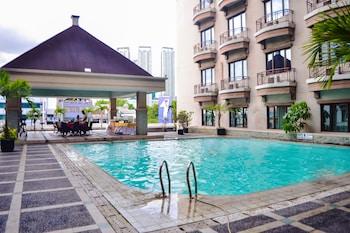 Hotel - Mega Anggrek Hotel & Convention