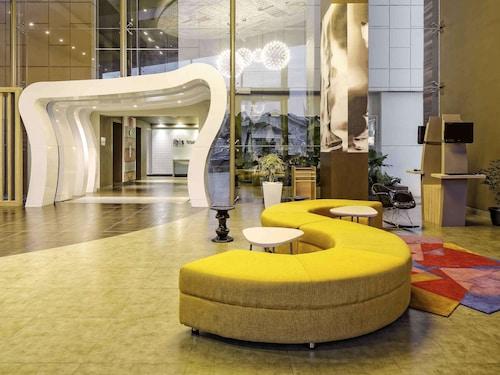 . ibis Padang Hotel