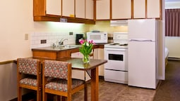 Deluxe Suite, 1 Bedroom, Kitchen