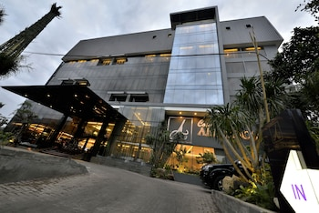Hotel - Amaroossa Cosmo Jakarta