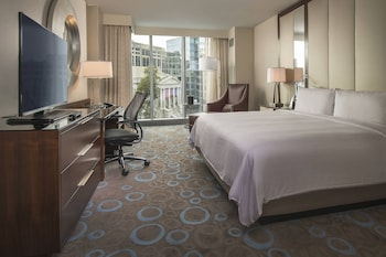 Guestroom at Marriott Marquis Washington, DC in Washington