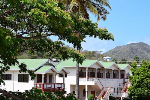 . Hotel Laurena