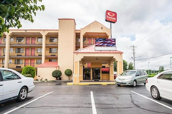 Hotel - Econo Lodge Inn & Suites