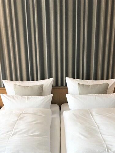 . Hotel am Berghang