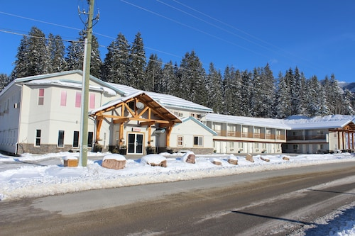 Golden Village Lodge, Columbia-Shuswap
