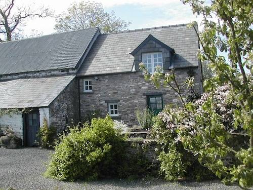 . Alltybrain Farm Cottages and B&B