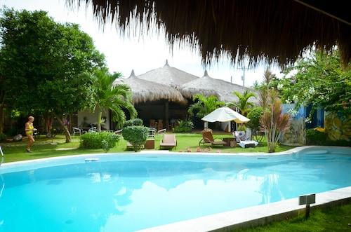 . Vanilla Sky Dive Resort