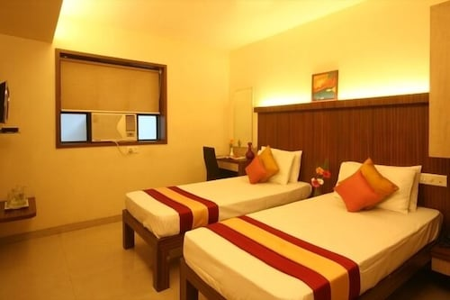 Hotel Ratna Palace Residency, Thane