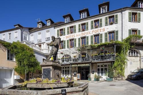 . Hôtel des Deux Forts