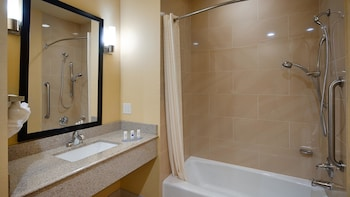 Best Western Plus Fort Worth Forest Hill Inn & Suites - Bathroom  - #0