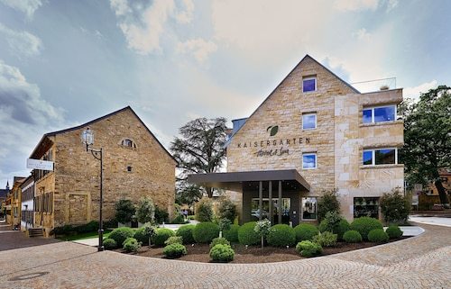 . Kaisergarten Hotel & Spa