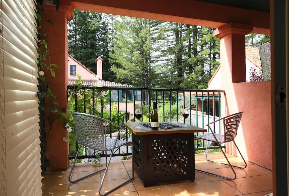 애플우드 인 & 스파(Applewood Inn and Spa) Hotel Image 38 - Balcony