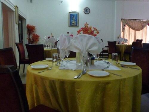 MJ Grand Hotel, Accra