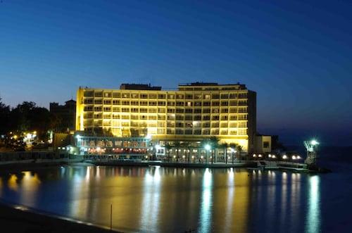 . Helnan Palestine Hotel