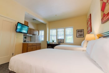 Classic Room, 2 Queen Beds