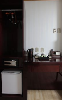 ホテル デウ イン