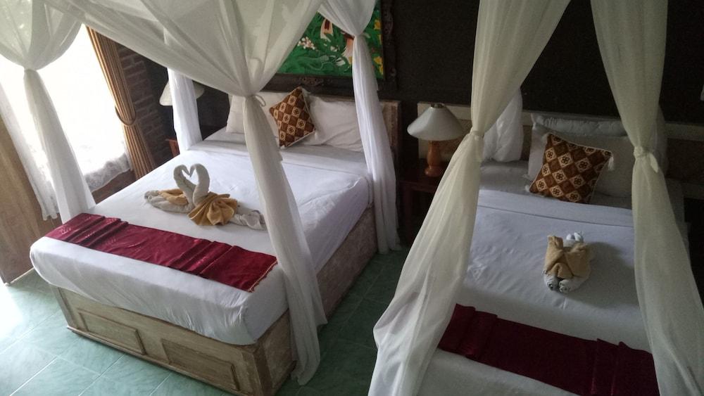 https://i.travelapi.com/hotels/8000000/7040000/7039200/7039199/9349e7e5_z.jpg