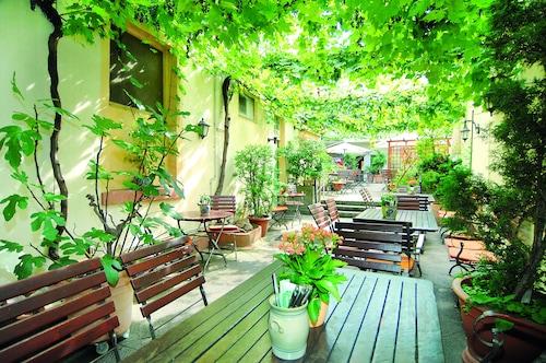 . Hotel Restaurant Bockshaut