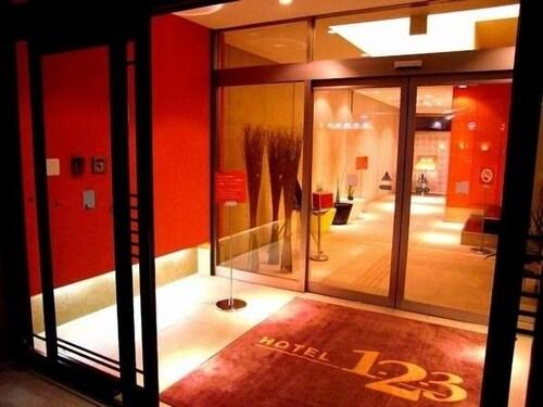 . Hotel 1-2-3 Takasaki
