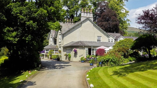 . Briery Wood Country House Hotel
