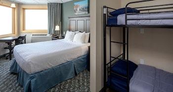 Room, 1 Queen Bed, 1 Bunk Bed, Land View