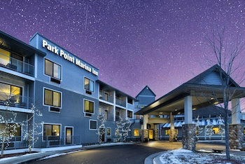 碼頭角公園飯店 Park Point Marina Inn