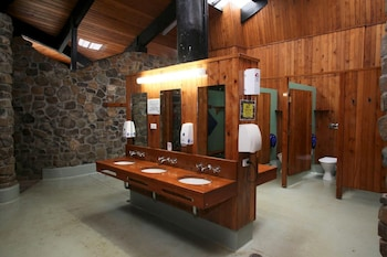 Discovery Parks Cradle Mountain - Bathroom  - #0