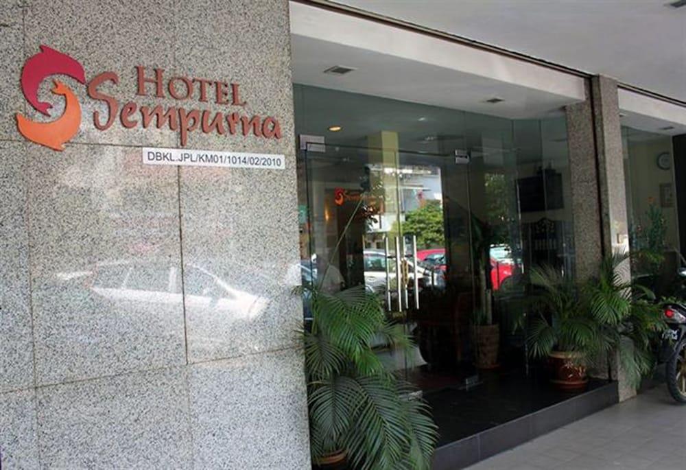 ホテル センプルナ