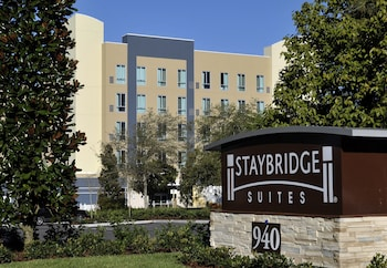 聖彼得堡市中心 Fl 駐橋套房 Staybridge Suites St. Petersburg Downtown
