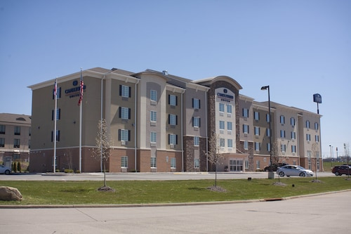 . Candlewood Suites Youngstown W I-80 Niles Area, an IHG Hotel