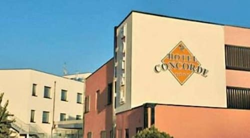 __{offers.Best_flights}__ Hotel Concorde