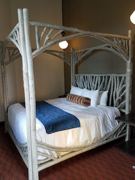 Suite, 1 King Bed, Terrace (Baron)