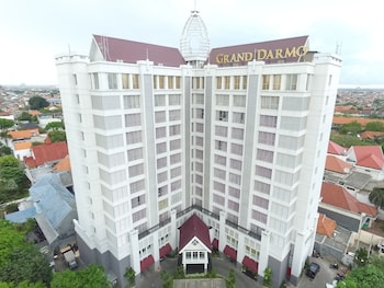 Hotel - Grand Darmo Suite by AMITHYA